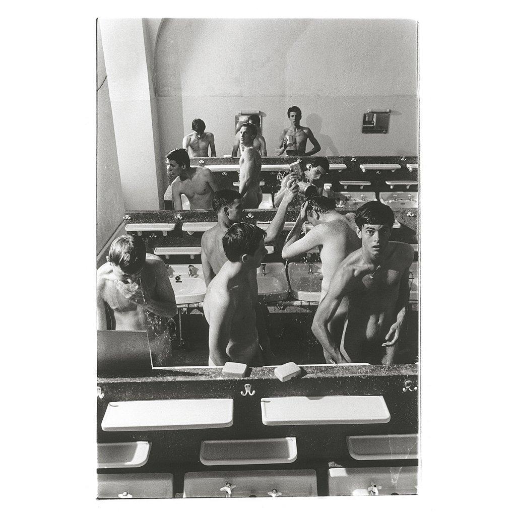 Schüler waschen sich Schloß Schule Salem, 1963